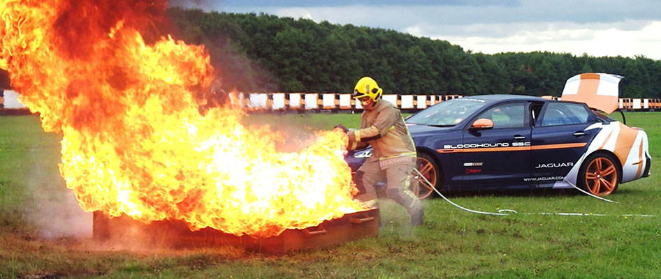 http://www.angloco.co.uk/wp-content/uploads/2016/01/jaguar-xkr-80-litre-fuel-fire.jpg